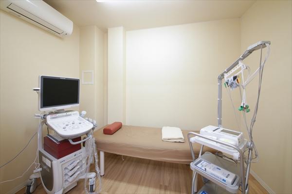 超音波診断室